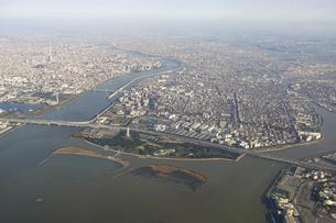 空から東京湾ベイエリアを一望の写真素材 [FYI04767921]