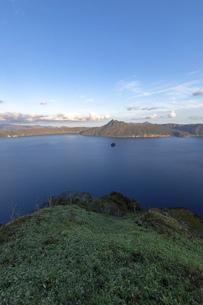 北海道 摩周湖の夕景の写真素材 [FYI04768153]