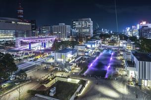 テレビ塔から見るレイヤードヒサヤオオドオリパーク夜景の写真素材 [FYI04768710]