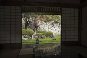 秋の行基寺の写真素材 [FYI04769115]