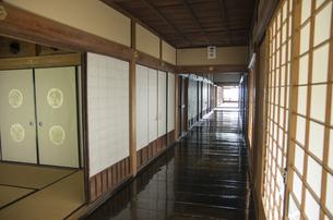 秋の行基寺の写真素材 [FYI04769118]