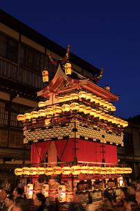 秋の高山祭の宵祭の写真素材 [FYI04770768]