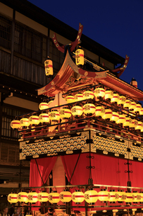 秋の高山祭の宵祭の写真素材 [FYI04770769]