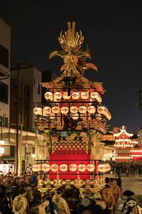 秋の高山祭の宵祭の写真素材 [FYI04770777]