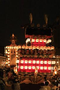 秋の高山祭の宵祭の写真素材 [FYI04770778]