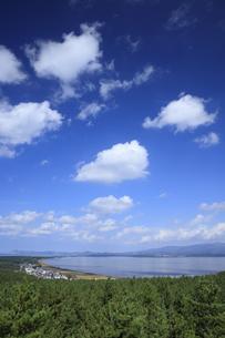 呑龍岳展望台より望む十三湖の写真素材 [FYI04770885]