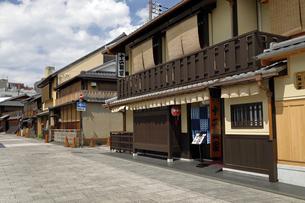 6月 祇園の花見小路の写真素材 [FYI04771272]