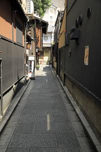 6月 祇園の花見小路の写真素材 [FYI04771283]