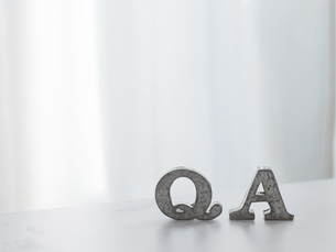 Q&A、ビジネスや仕事の質問や回答のイメージ。の写真素材 [FYI04771401]