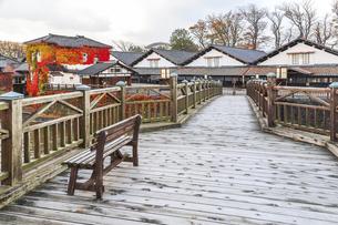 山居橋越しに山居倉庫を望むの写真素材 [FYI04771525]