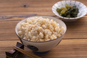 玄米ご飯(発芽玄米ご飯)の写真素材 [FYI04771643]