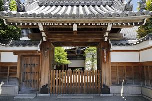 6月 新徳寺  -京都における新選組関連の史跡-の写真素材 [FYI04771689]