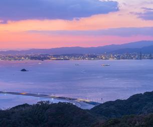 福岡県 風景 博多湾朝景 百道浜方面遠望の写真素材 [FYI04771827]