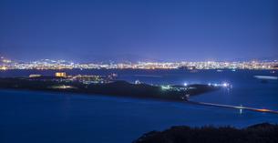 福岡県 風景 博多湾夕景 西戸崎 香椎浜方面遠望の写真素材 [FYI04771842]