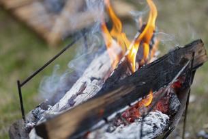 焚き火の写真素材 [FYI04771934]