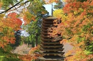 紅葉の談山神社の写真素材 [FYI04772624]