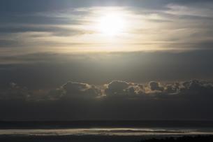 日が昇る釧路湿原の朝の写真素材 [FYI04772802]