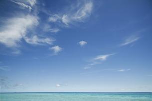 海と青空と雲の写真素材 [FYI04772957]