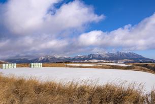 熊本県 阿蘇 やまなみハイウェイより九重連山を望むの写真素材 [FYI04773610]
