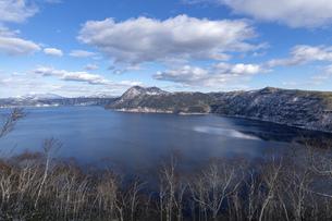 北海道 摩周湖の冬の風景の写真素材 [FYI04773832]