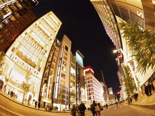 東京都 夕暮れの銀座の写真素材 [FYI04774774]