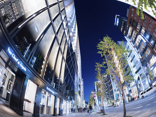 東京都 銀座シックスと中央通りの写真素材 [FYI04774779]