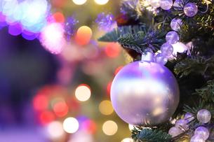 クリスマスのオーナメントの写真素材 [FYI04774936]