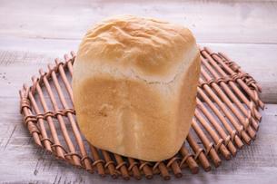 ホームベーカリーの食パンの写真素材 [FYI04775075]