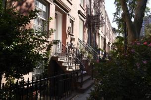 ニューヨーク グリニッチビレッジの街並みの写真素材 [FYI04775472]