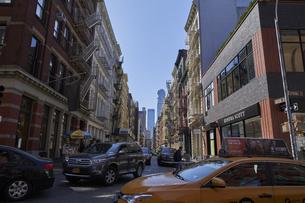 ニューヨーク マンハッタンの街並みの写真素材 [FYI04775476]