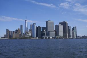 ニューヨーク マンハッタンのビル群の写真素材 [FYI04775486]