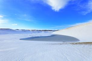 冬の鳥取砂丘雪景色の写真素材 [FYI04775492]