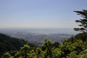 六甲山山頂から阪神間と大阪湾の写真素材 [FYI04775605]