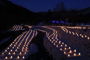 湯西川温泉かまくら祭り 湯西川温泉 かまくら祭り ミニかまくらの写真素材 [FYI04775739]