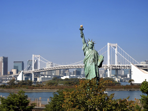 東京都 お台場の自由の女神像の写真素材 [FYI04776130]