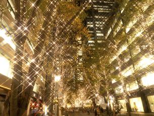 東京都 丸の内仲通りのイルミネーションの写真素材 [FYI04776173]