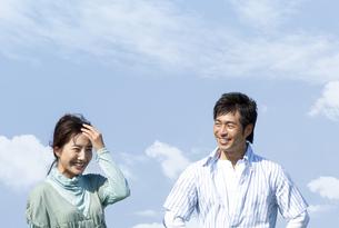 笑顔の夫婦の写真素材 [FYI04776371]