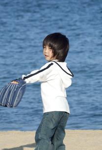 野球をする男の子の写真素材 [FYI04776533]