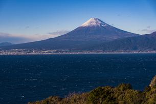 富士山と駿河湾の写真素材 [FYI04776677]