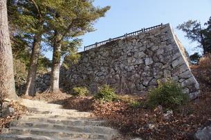 備中松山城の風景(城郭石垣)の写真素材 [FYI04776835]