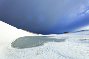 冬の鳥取砂丘雪景色の写真素材 [FYI04776839]