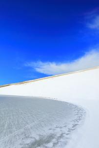 冬の鳥取砂丘雪景色の写真素材 [FYI04776844]
