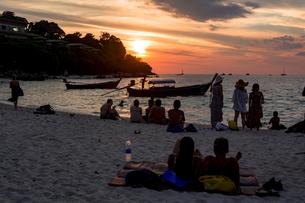 リペ島リゾートの夕景の写真素材 [FYI04777414]