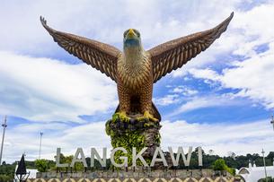 ランカウイ島のイーグル像の写真素材 [FYI04777419]