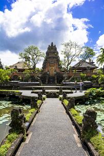 バリ島のサラスワティ寺院の写真素材 [FYI04777796]
