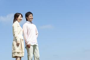 笑顔の夫婦の写真素材 [FYI04778144]