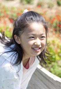 笑顔の女の子の写真素材 [FYI04778242]