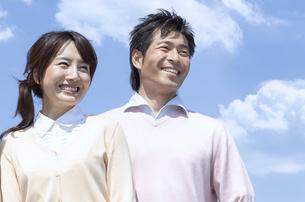 笑顔の夫婦の写真素材 [FYI04778261]