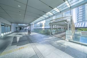 東京オフィスビルの写真素材 [FYI04778460]