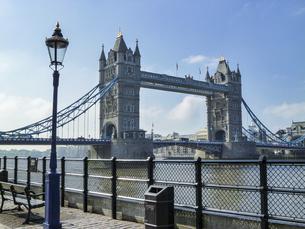 タワーブリッジのある風景の写真素材 [FYI04778679]